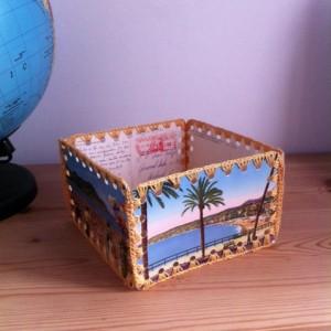 caixes amb postals